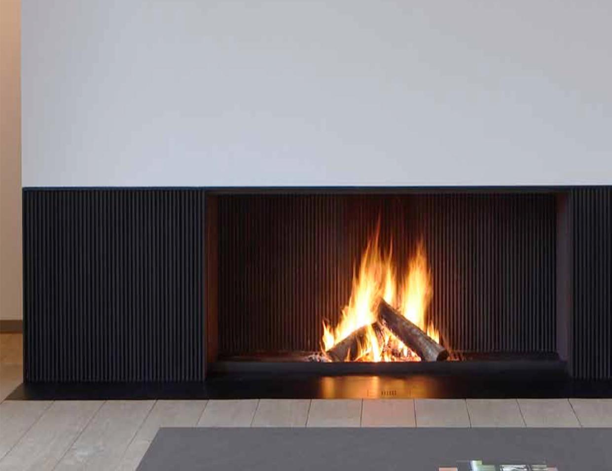 La marbrerie denis jean luc vous propose un large ventail for Cheminee feu de bois