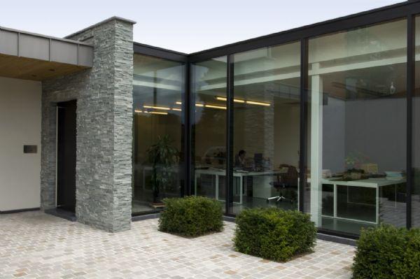 R alisation d habitations en pierre naturelle marbre et for Plaquette de parement salle de bain